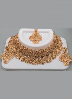 Wedding Wear Style Golden Diamond Necklace