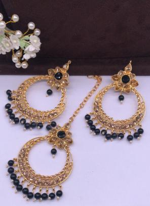 Black Pearls And Diamond Earrings With Maang Tikka Online Shopping