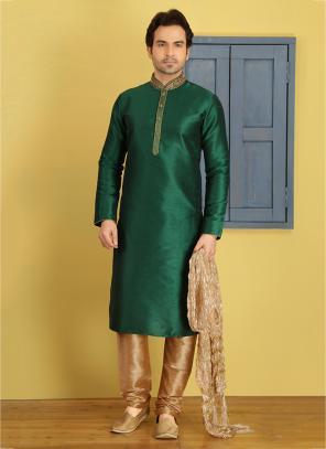 Festival Wear Green Banarasi Silk Embroidery Work Sherwani Style