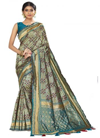 Traditional Wear Light green Weaving Art Silk Saree
