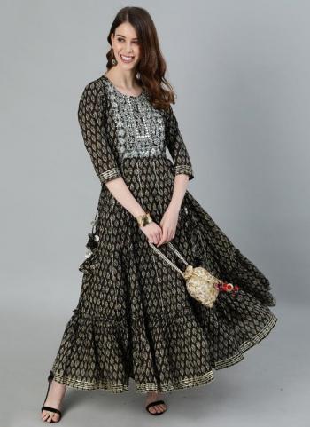 Casual Wear Grey Embroidery Work Cotton Kurti