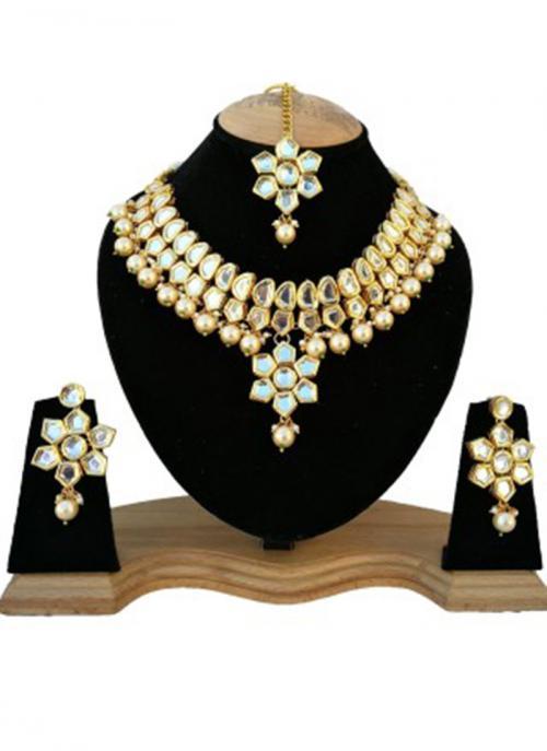 Bridal Wear Golden Kundan Stone Work Necklace